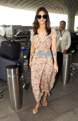 Vaani Kapoor, Adah Sharma, Sunny Leone and Daniel Webber snapped at the airport
