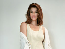 LOL! Twinkle Khanna talks about GST, karwa chauth, sanitary napkins for her victory speech at 'Vogue Awards'