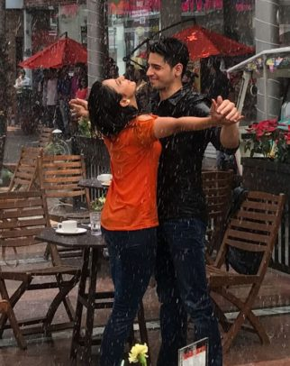 WOW! Here's a glimpse of romantic song between Sidharth Malhotra and Rakul Preet Singh in Aiyaary