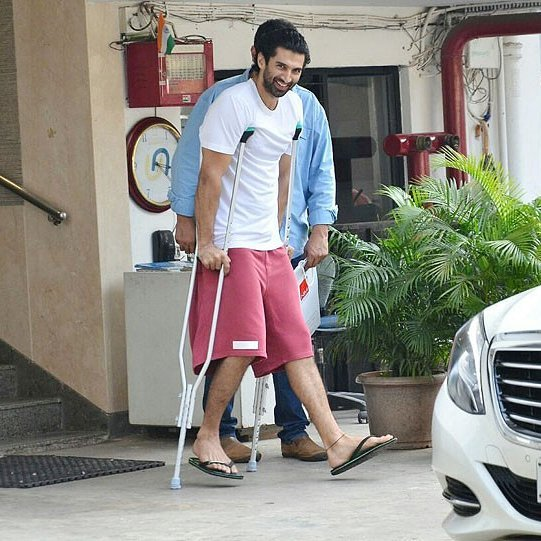Aditya Roy Kapur goes out of action2