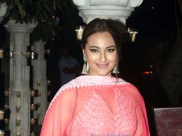 Celebs grace Anil Kapoor's Diwali bash