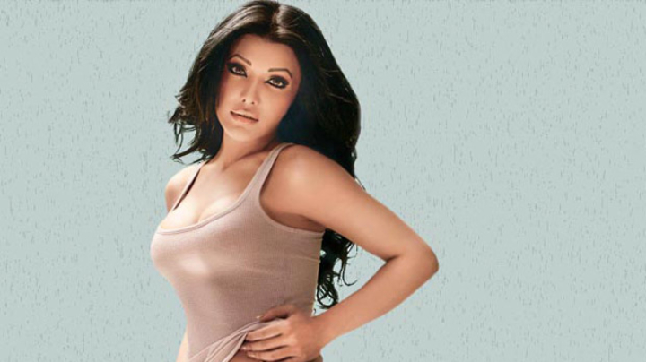 Court orders Koena Mitra to repay Rs. 22 lakh with interest to a friend