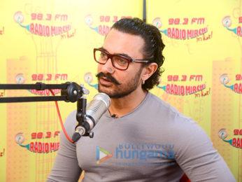 Aamir Khan snapped promoting Secret Superstar at Radio Mirchi