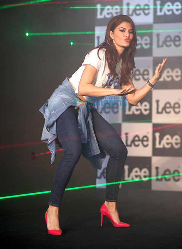 Jacqueline-Fernandez-brings-her-vivacious-self-at-the-launch-of-the-new-collection-of-Lee-denims!-1