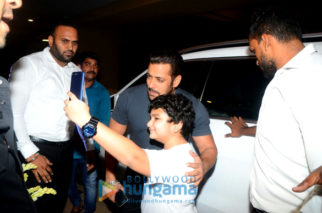 Salman Khan, Kriti Sanon and others grace Ramesh S Taurani's Diwali party