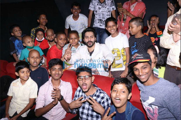 Varun Dhawan holds a special screening for cancer-stricken kids-3