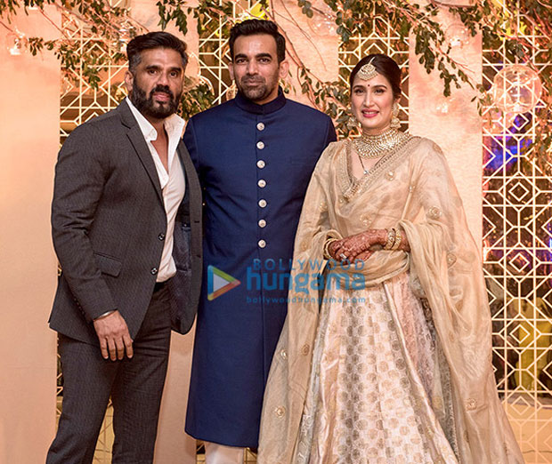 Anushka-Sharma,-Virat-Kohli-&-others-attend-Zaheer-Khan--Sagarika-Ghatge's-wedding-reception-(5)