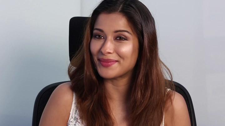 Nyra Banerjee's Awesome Rapid Fire On Sonam Kapoor, Sidharth Malhotra & Lot More