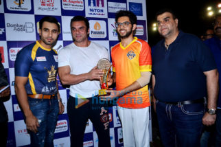 Sohail Khan and Aditya Thackeray at a 'Tony Premier League' Match