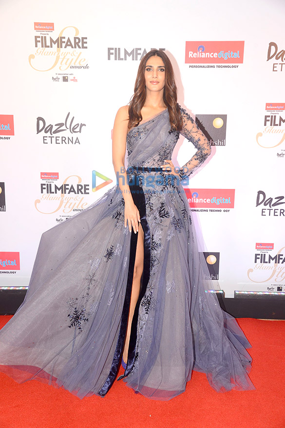 Here's what your favourite female stars wore at Filmfare Glamour and Style Awards 2017 (10)