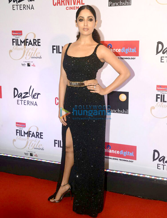 Here's what your favourite female stars wore at Filmfare Glamour and Style Awards 2017 (11)