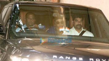 Ranbir Kapoor spotted at Khar