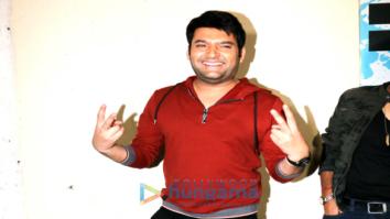 Kapil Sharma graces the special screening of the film 'Firangi'