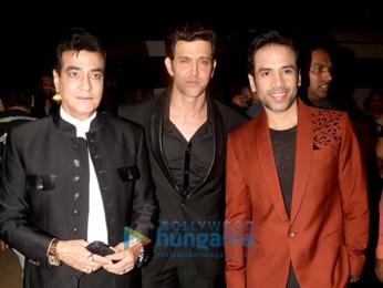 Aamir Khan, Shah Rukh Khan, Amitabh Bachchan, Deepika Padukone and others grace 'Umang 2018'