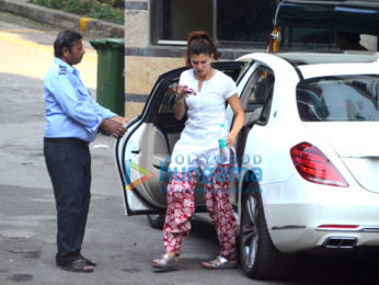 Jacqueline Fernandez snapped outside her residence in Bandra