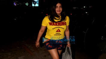 Shruti Haasan spotted at Santacruz