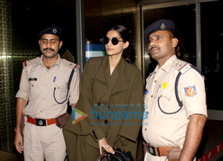 Sonam Kapoor, Soha Ali Khan and Kunal Khemu snapped at the airport