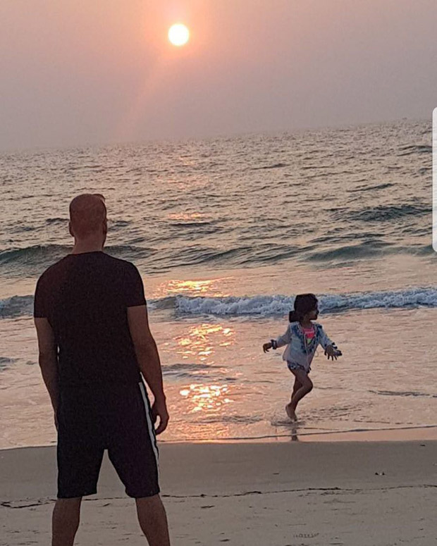 #MondayMorningMotivation: 10 Pics that prove Pad Man Akshay Kumar is an ultimate family man!