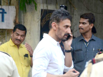 Celebs attend Sridevi's cremation ceremony at Seva Samaj Crematorium and Hindu Cemetery in Vile Parle, Mumbai