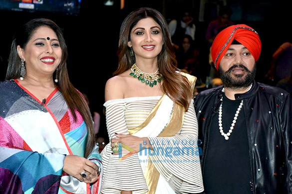 Mehndi Ceremony Of Shilpa Shetty : Daler mehndi and mika singh visit the sets of super dancer chapter 2