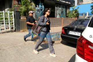 Kajol snapped at Vikram Phadnis' store in Juhu