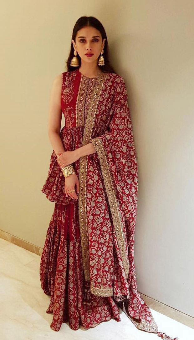 Aditi Rao Hydari flaunts minimal makeup and a sleek hairstyle
