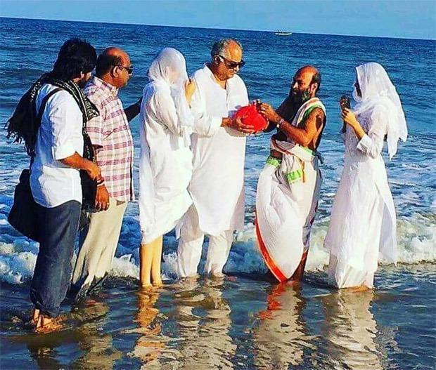 Boney Kapoor, daughters Janhvi Kapoor and Khushi Kapoor immerse Sridevi's ashes in Rameswaram