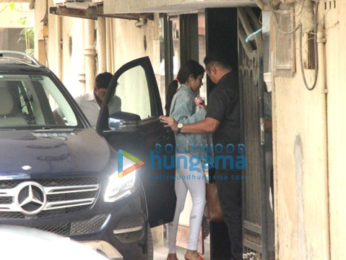 Janhvi Kapoor spotted at gym in Bandra