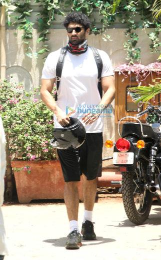 Aditya Roy Kapur, Sidharth Malhotra, Shahid Kapoor and Nidhhi Agerwal snapped at the gym