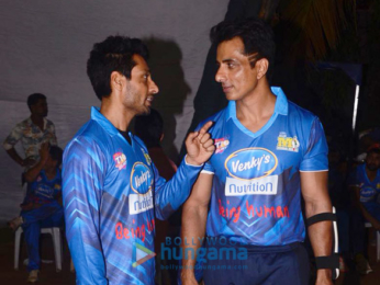 Suniel Shetty, Riteish Deshmukh, Sonu Sood and others at a match in Mumbai