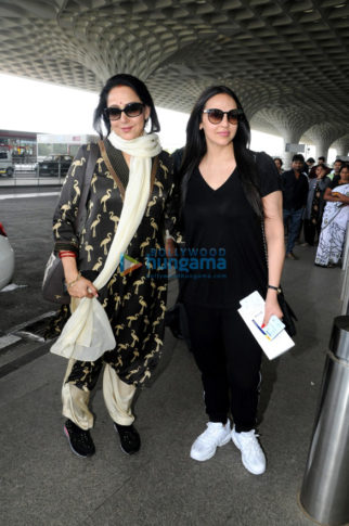Hema Malini, Esha Deol and Shahid Kapoor snapped at the airport