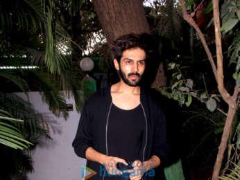 Kartik Aryan spotted at Versova