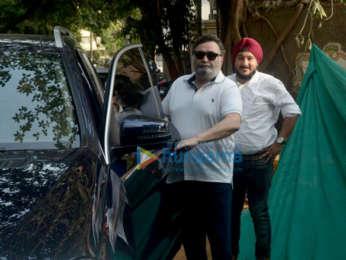 Rishi Kapoor snapped at the iconic Krishna Raj bungalow