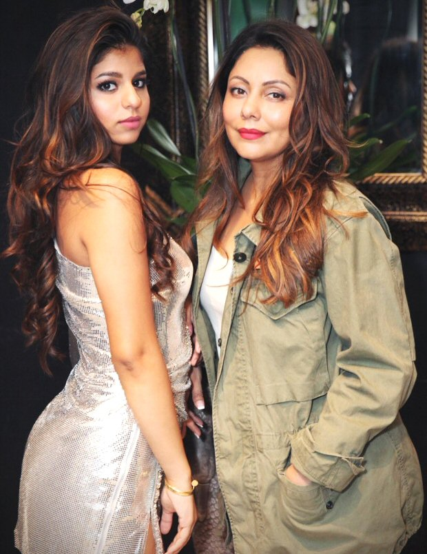 Gauri Khan parties with Suhana in London, Shah Rukh Khan showers love on his ladies in his signature style (see pics)