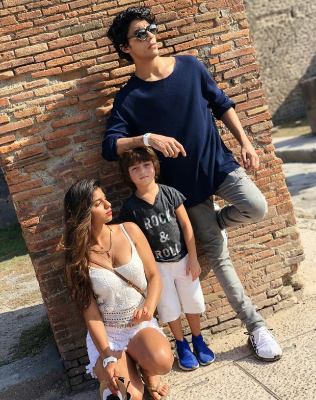 Aryan, Suhana and AbRam's cute moment captured by papa Shah Rukh Khan will be etched in our memory for years to come