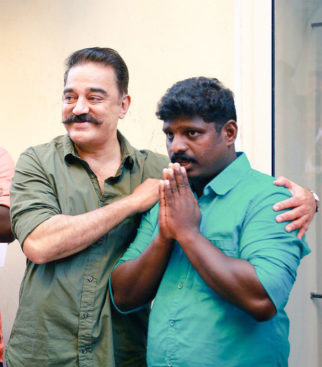 Kamal Haasan meets worker Rakesh Unni who took the INTERNET by a storm with his rendition of this Vishwaroopam song