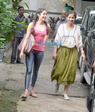 Janhvi Kapoor snapped outside Gauri Shinde's office in Bandra