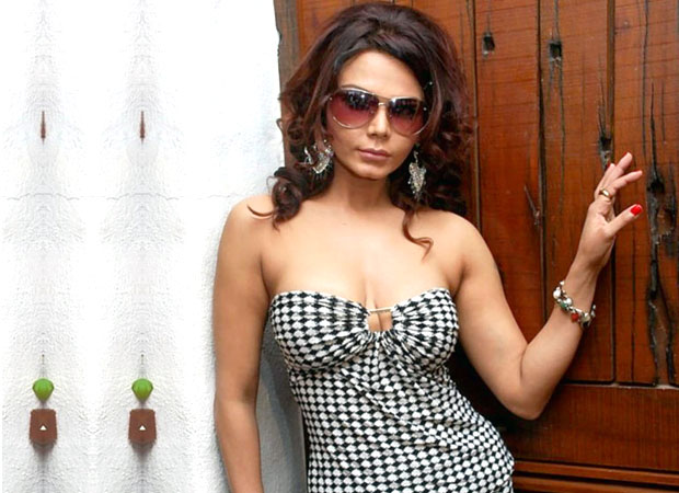 """""""No one from Bollywood is SUPPORTING Tanushree Dutta, they are just showing sympathy"""" says Rakhi Sawant"""