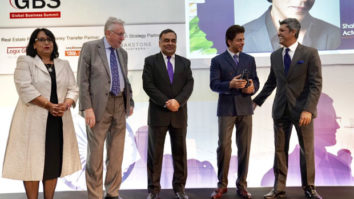 Shah Rukh Khan gets felicitated at India - UK Business summit in London