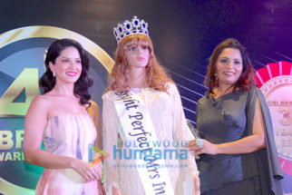 CHECK OUT: Sunny Leone Launching 4th Bright Award Trophy