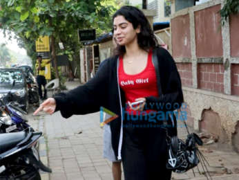 Khushi Kapoor spotted post a salon session in Juhu
