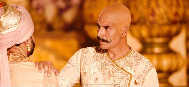 LEAKED! Akshay Kumar sports BALD historic warrior look in Housefull 4