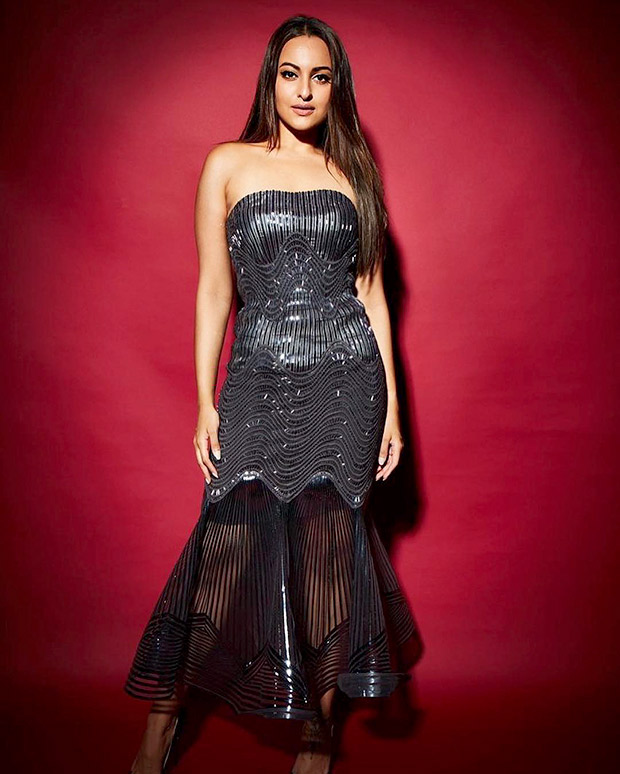 Sonakshi Sinha in Amit Aggarwal for Elle Beauty Awards 2018 (3)