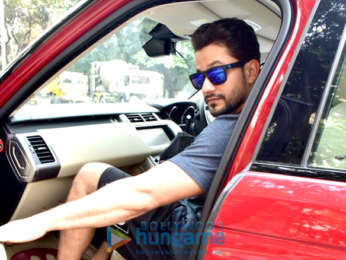 Kunal Khemu spotted in Juhu