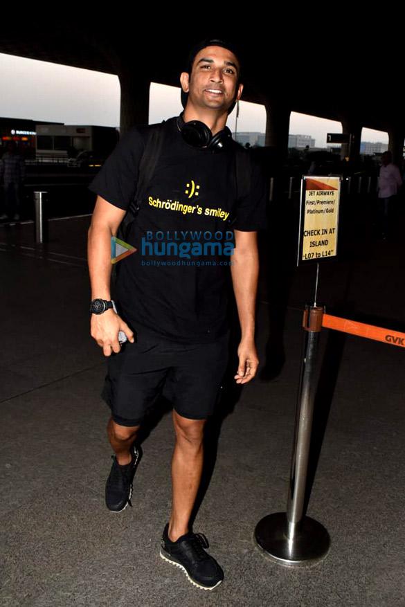 Sara Ali Khan, Sushant Singh Rajput and Sonnalli Seygall snapped at the airport (4)